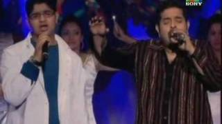 Shankar Mahadevan Singing Maa Along With His Son Live