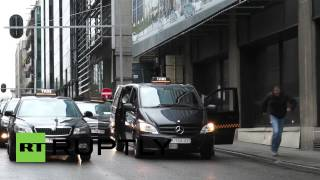 Belgium: Taxis block streets in Brussels to protest against Uber app