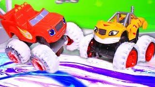 Чудо машинки и Вспыш: Состязание и ловушки Крушилы. Новый игрушечный мультик с машинками детям.