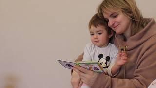 VLOG Соскучились по Насте и Кате. Алиса читает.