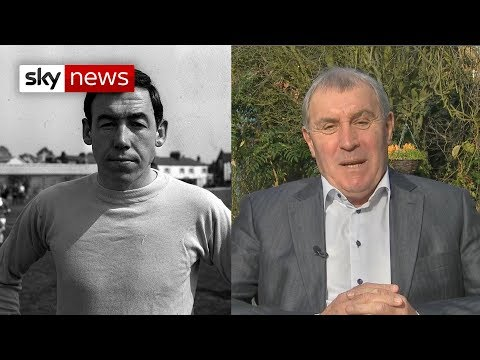 Peter Shilton: Gordon Banks 'was my hero'