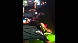 Young jeezy performs tear dat pussy up
