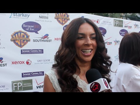 Terri Seymour of Extra Talks Halle Berry and Silver Rose Awards ...