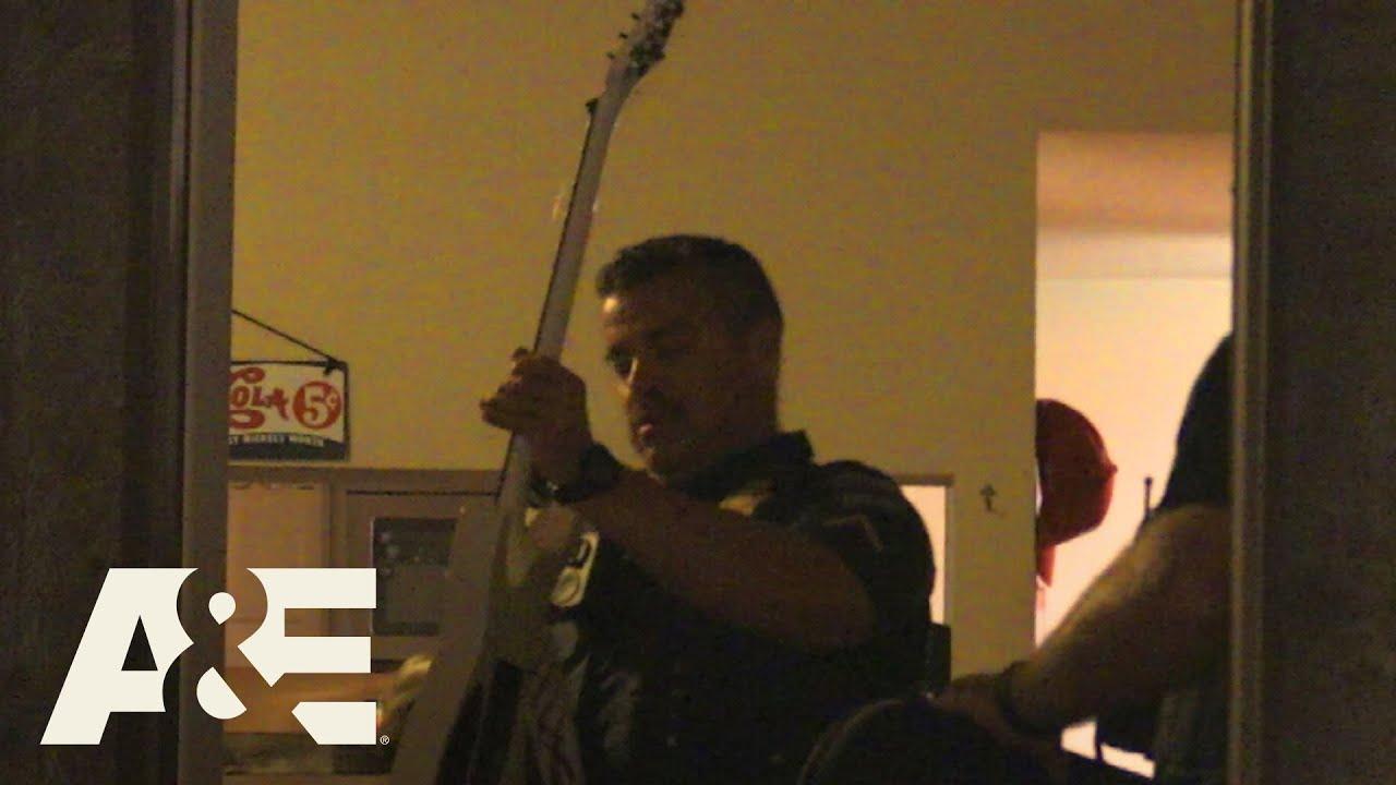 Live PD: Sentimental Guitar (Season 4) | A&E
