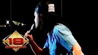 Gambar cover Momonon - Semangat Oke (Live Konser Bandung 22 November 2015)