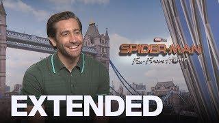 Jake Gyllenhaal Backs Chris Hemsworth As 'Hottest' Avenger | EXTENDED