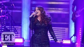 Скачать Meghan Trainor Falls On The Tonight Show