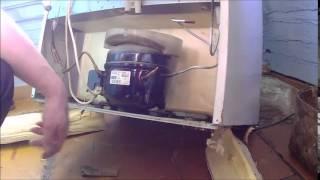 Ремонт холодильника / Refrigerator repair(Ремонт холодильника INDESIT, устранение утечки по контуру Ремонт холодильников тел. 89533871019 г.Алапаевск., 2015-03-21T16:29:43.000Z)