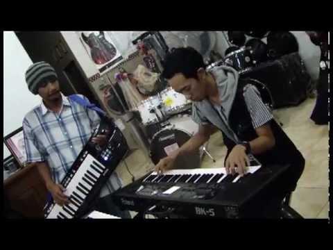 Ary Ajista dan Denny Pati Holic Roland BK-5