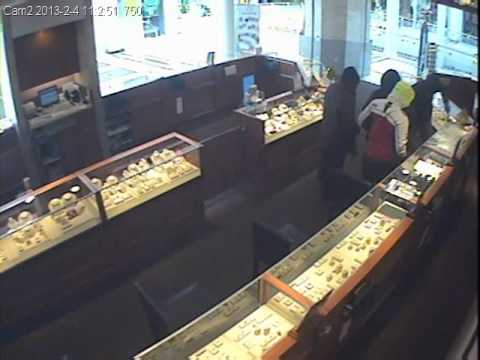 Zales Jewelry Smash and Grab Robbery RAW