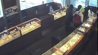Zales Jewelry Smash and Grab Robbery RAW