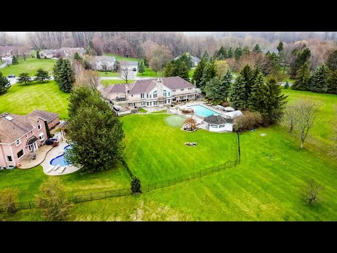 5 Country Lane Dr | Outstanding Luxury Home in Caledon | The Papousek Team