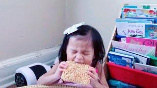 ASMR | Crunchy Mama Noodles ft. Chloe!