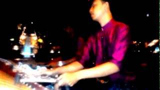 Rindik Bali : Ulian iseng [Perfom at Lotus Cafe Ubud 08-05-2015]