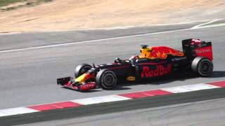 2016 F1 Winter Testing - Red Bull RB12 - Daniil Kvyat - Barcelona