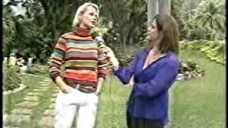Renata Ceribelli entrevista Xuxa para o Fantástico - 2002