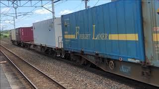 2019-08-17 油島駅を快走する貨物列車
