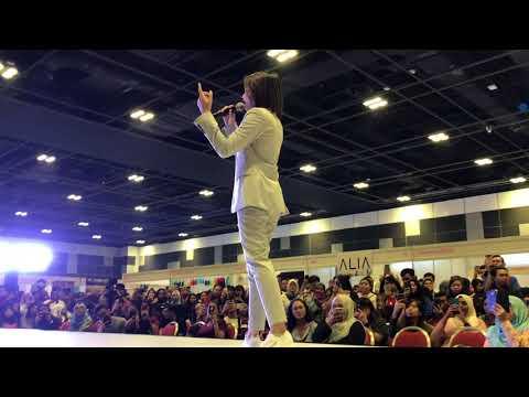 Ara Johari - Warkah Untukku at Singapore Celebfest 2018..