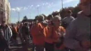 Voljunkie.com: I SEE ORANGE PEOPLE