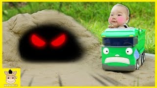 Tayo meet Cave Ghost! Escape From Ghost. Sand Toys For kids | MariAndKids Toys