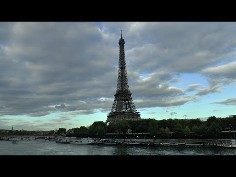Paris France Pont de Bir-Hakeim Tour Eiffel Seine