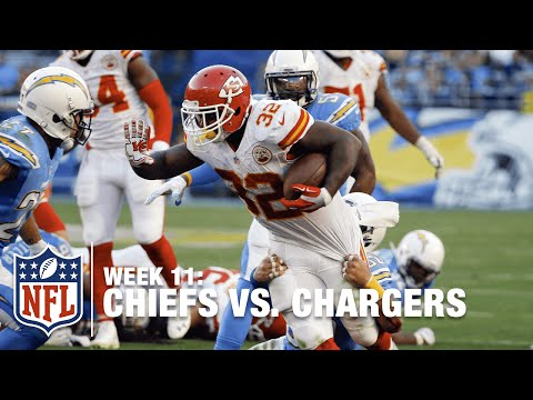 Spencer Ware Slices Up Chargers Defense for Huge 52 Yard Gain! | Chiefs vs. Chargers | NFL