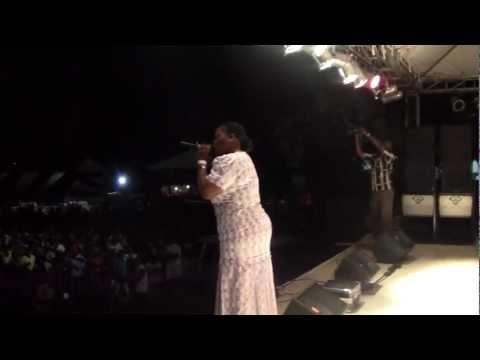 SIS PAT IN CONCERT IN JAMAICA