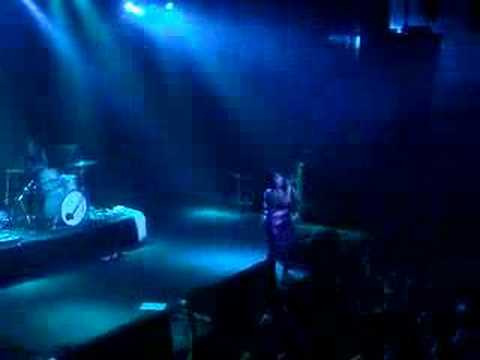 The Gossip- Standing in the way of Control (live), Amsterdam