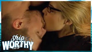 Why We LOVE Olicity (Arrow's Oliver Queen + Felicity Smoak) | Shipworthy  👩❤️👨🚢⚓