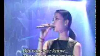 Faye Wong(王菲) - Eyes On Me (Live)