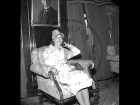 Greta garbo speaking swedish 1946 youtube for Garbo arredamenti