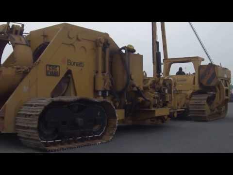 Caterpillar 594 pipelayer with bending machine