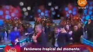 """Americo En Gigantes Con Vivi """"Que Levante la Mano"""" y """"El Embrujo"""""""