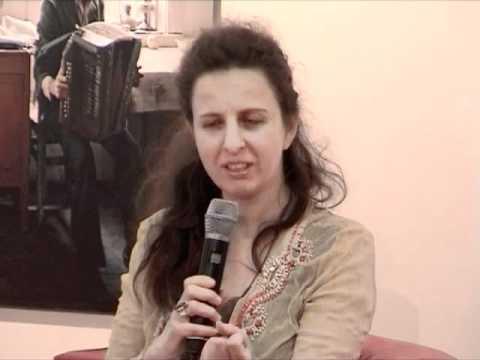 Rebecca Niazi-Shahabi: Nett ist die kleine Schwester von Scheiße - Lesung