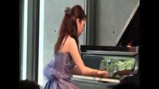 兵庫県立美術館にて2013年11月2日に行われた ホワイエピアノコンサート ...