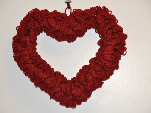 How To Make A Quick And Easy Valentine S Day Wreath Youtube