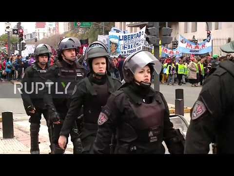 Argentina: Anti-government workers protest hits Buenos Aires