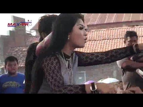 Ratna Antika ~ WOYO WOYO Monata Live in Mangunrekso Tambakromo Pati 2015