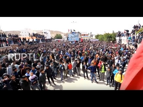 Tunisia: Thousands strike for jobs in oil-rich in Tataouine