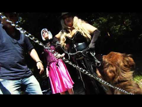 Stefania Visconti nello spot contro l'abbandono degli animali 2011