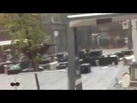 Furtuna face ravagii în Piața Operei din Timișoara