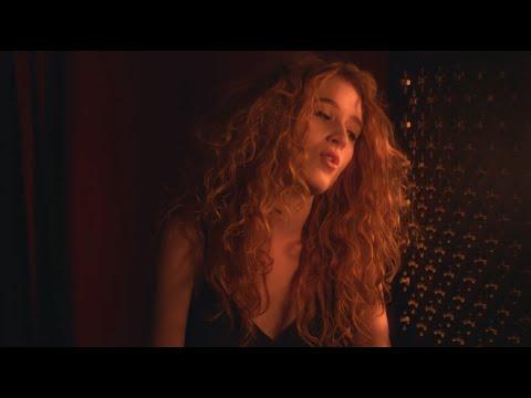 Смотреть клип Janet Devlin - Confessional