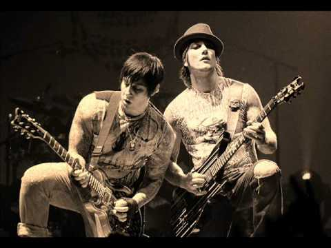 Avenged Sevenfold - Bat Country (Guitar Track)