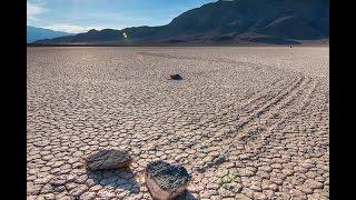 Движущиеся камни(Движущиеся камни - загадка долины смерти. http://vadotop.com/dvizhushhiesya-kamni.html., 2015-12-15T12:58:41.000Z)