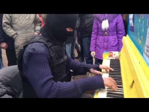 На Майдане музыка играла...