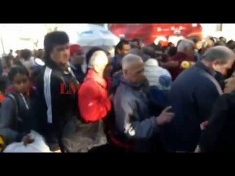Los porteños no entendieron la protesta y reclamaron más fruta
