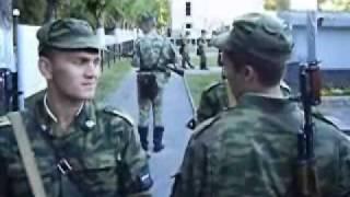 можно сказать, смена часовых в армии очень ветреную или