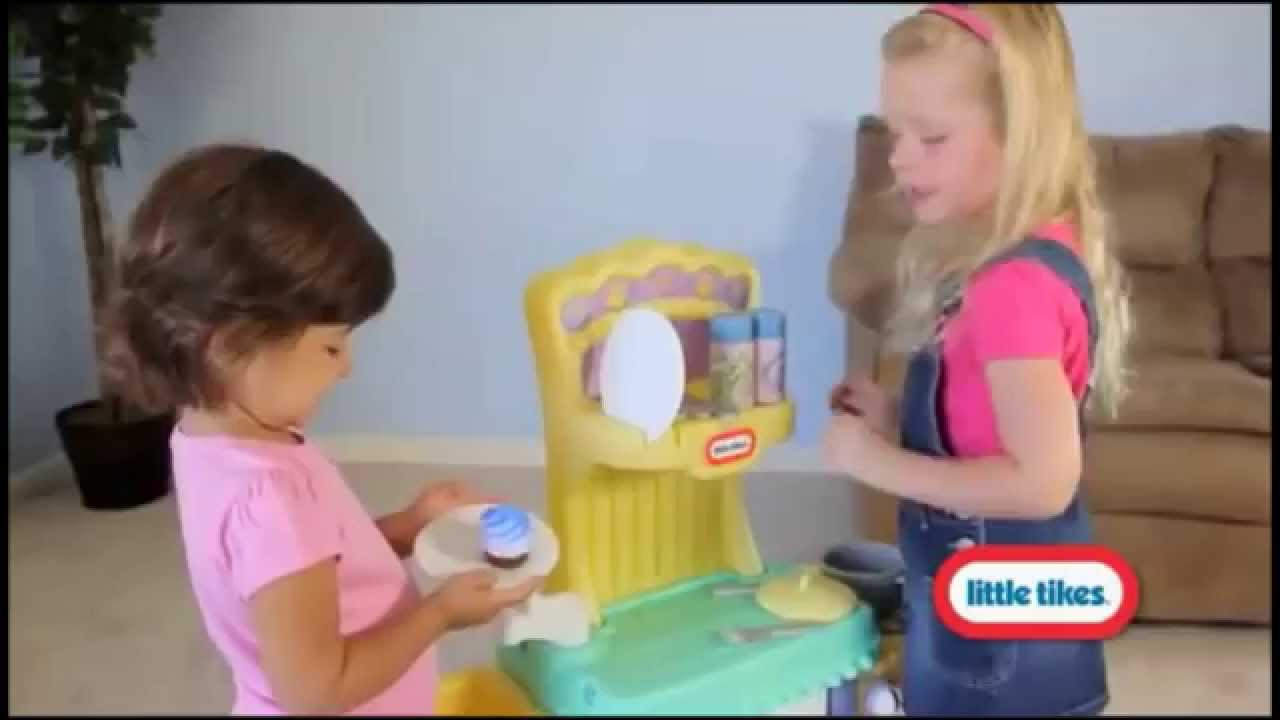 Little Tikes Cupcake Kitchen - Childrens Toy Kitchen - YouTube