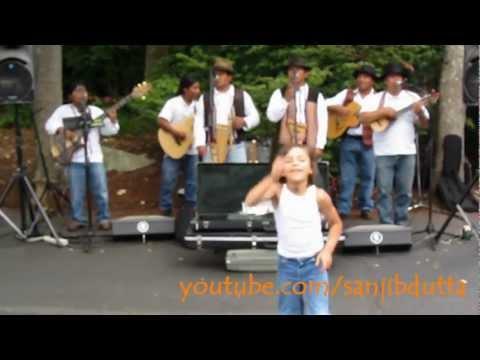Ecuadorean music - Quichua Mashis @ Seattle Space Needle
