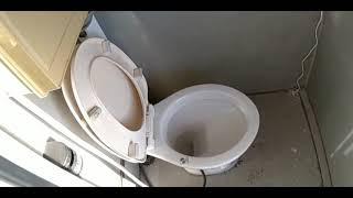 ゆうか丸の トイレの洗浄ポンプのスイッチが使いにくい所にあったので ...